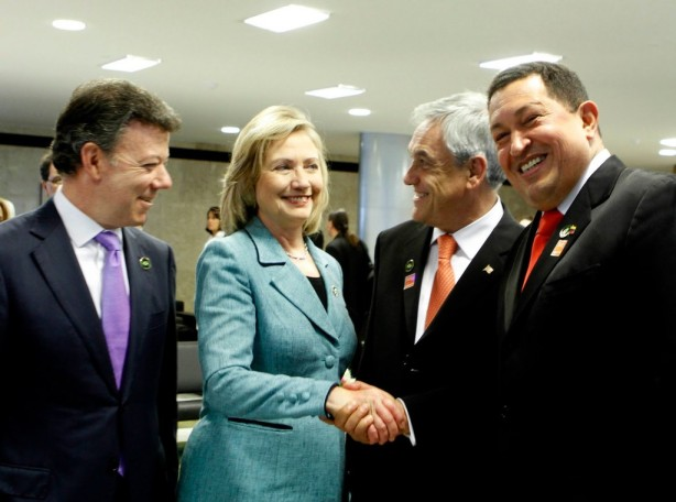 De izquierda a derecha: Juan Manuel Santos, Hilary Clinton, Sebastián Piñera y Hugo Chávez